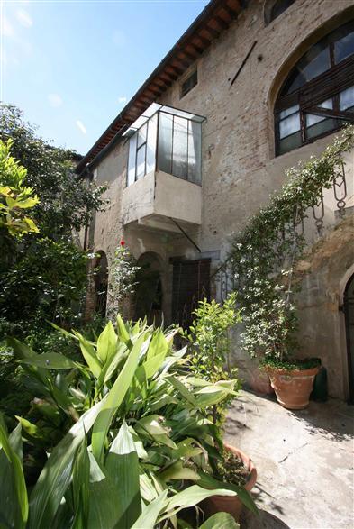 Palazzo / Stabile in vendita a San Gimignano, 26 locali, Trattative riservate | Cambio Casa.it