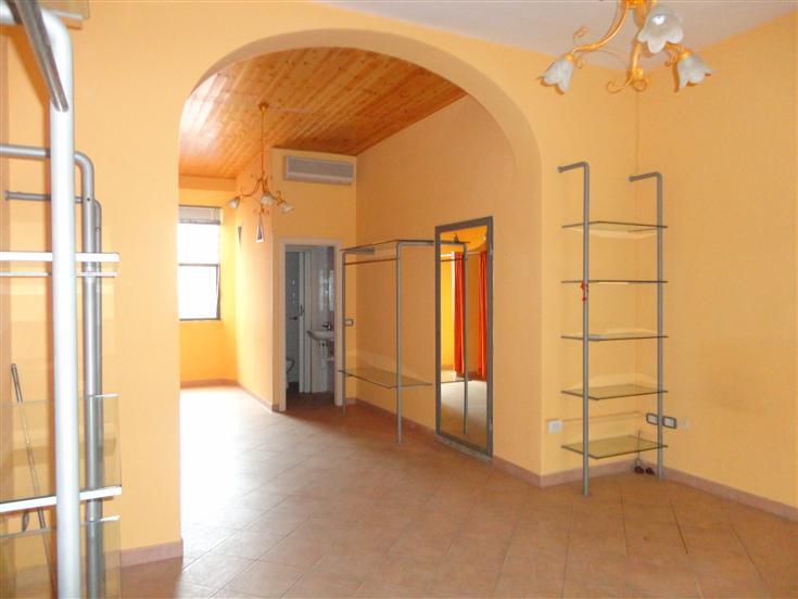 Negozio / Locale in affitto a Certaldo, 1 locali, prezzo € 380 | Cambio Casa.it