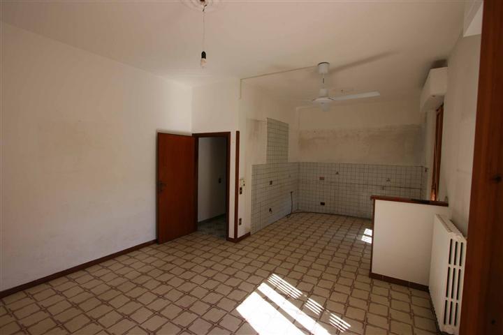 Appartamento in vendita a Montespertoli, 4 locali, zona Località: MARTIGNANA, prezzo € 195.000 | CambioCasa.it