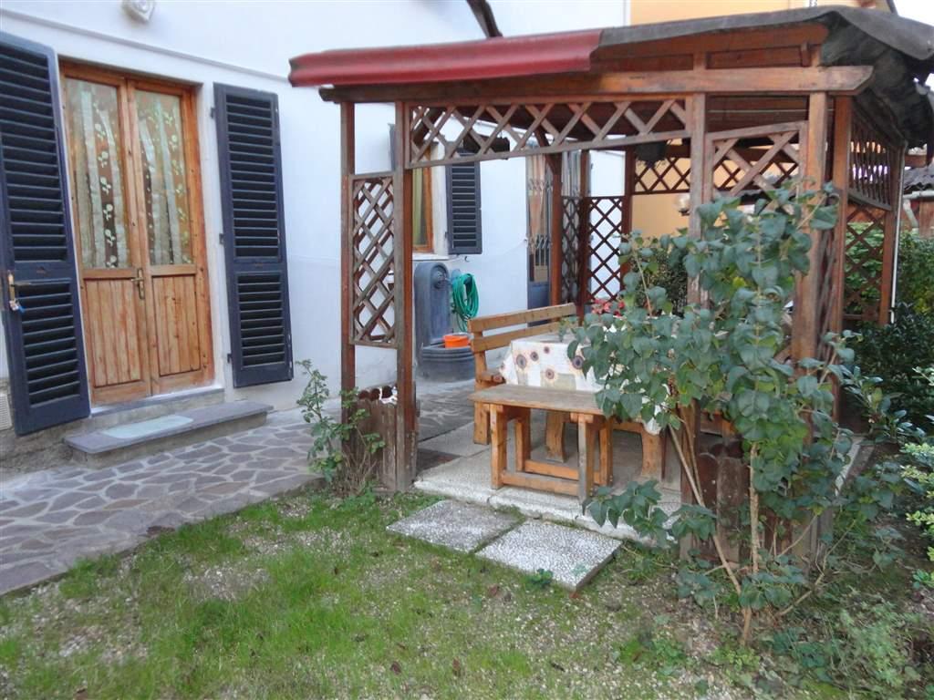 Soluzione Indipendente in vendita a Certaldo, 9 locali, prezzo € 300.000 | Cambio Casa.it
