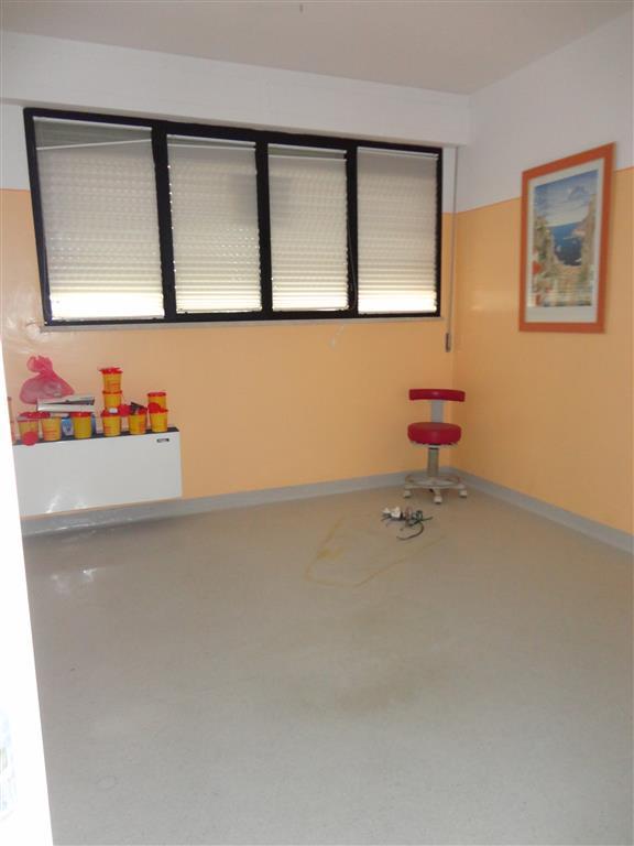 Laboratorio in affitto a Certaldo, 7 locali, zona Località: SEMI-CENTRO, prezzo € 800 | CambioCasa.it