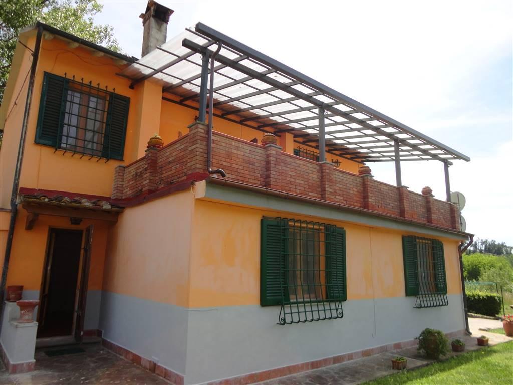 Villa in vendita a Castelfiorentino, 5 locali, prezzo € 220.000 | CambioCasa.it