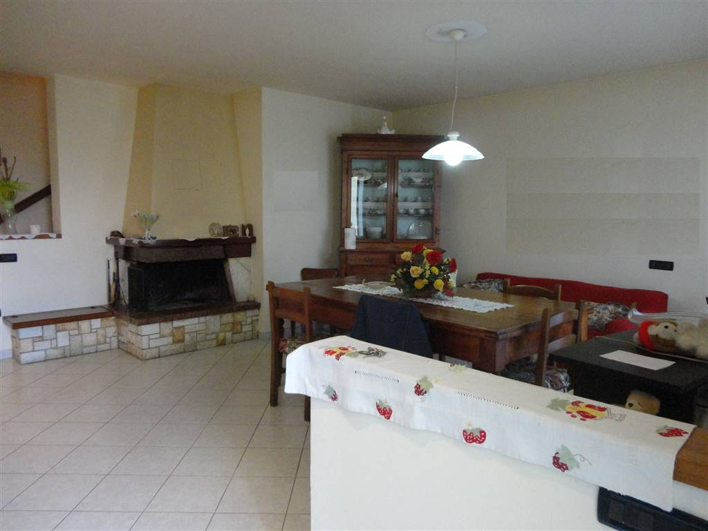 Soluzione Indipendente in vendita a Gambassi Terme, 6 locali, prezzo € 260.000 | Cambio Casa.it