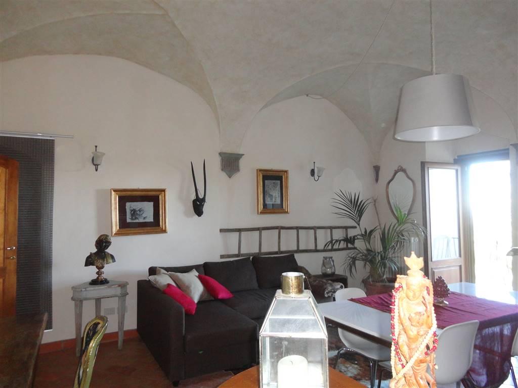 Appartamento in affitto a Barberino Val d'Elsa, 2 locali, prezzo € 530   CambioCasa.it