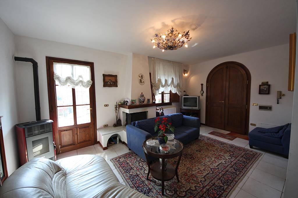 Villa in vendita a Montaione, 5 locali, prezzo € 495.000   CambioCasa.it