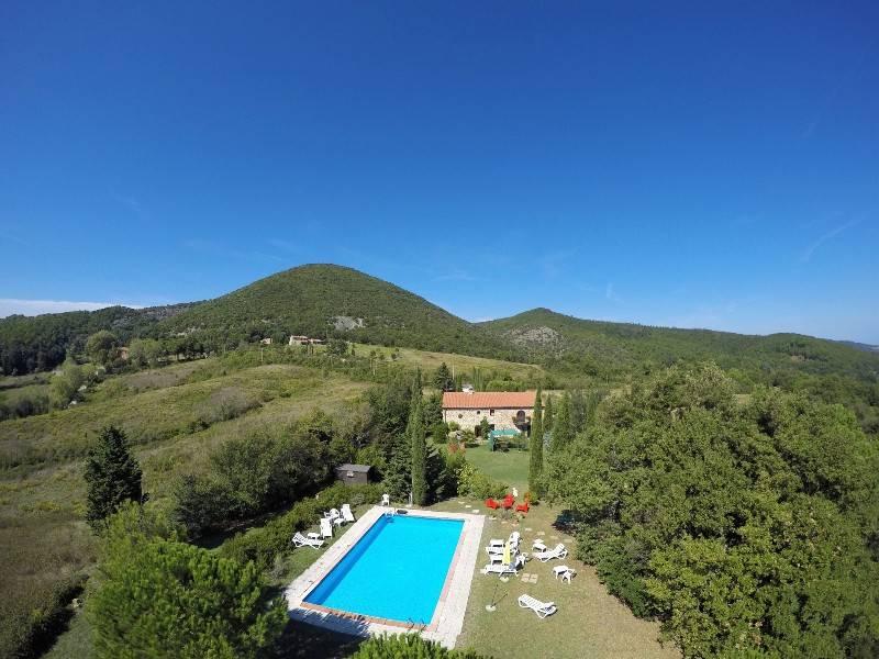 Rustico / Casale in vendita a Castellina Marittima, 10 locali, Trattative riservate | CambioCasa.it