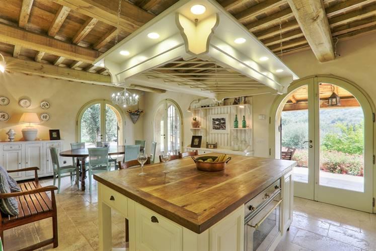 Case bolgheri castagneto carducci in vendita e in for Piccole case in stile toscano