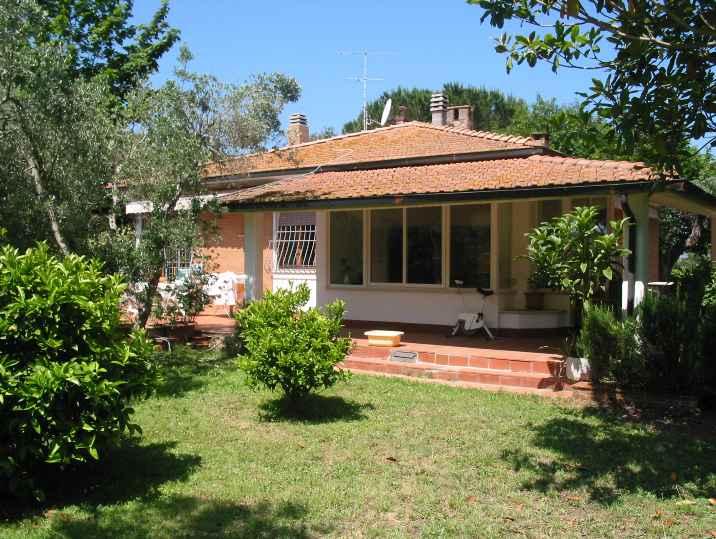 Villa in vendita a Castagneto Carducci, 5 locali, Trattative riservate | CambioCasa.it