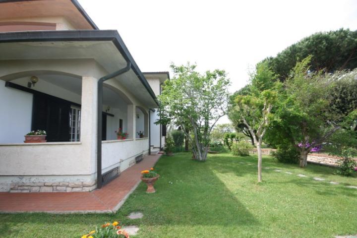 Villa in vendita a Castagneto Carducci, 6 locali, zona Zona: Donoratico, prezzo € 1.130.000 | Cambio Casa.it