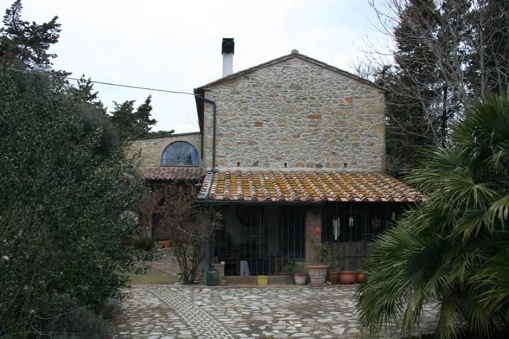 Rustico / Casale in vendita a Guardistallo, 5 locali, prezzo € 550.000 | Cambiocasa.it