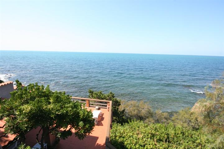 Villa, Quercianella, Livorno, abitabile