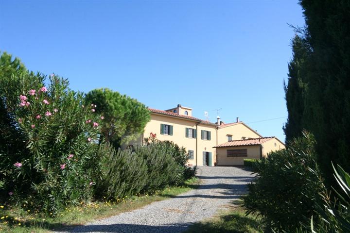 Rustico / Casale in vendita a Bibbona, 10 locali, Trattative riservate | CambioCasa.it