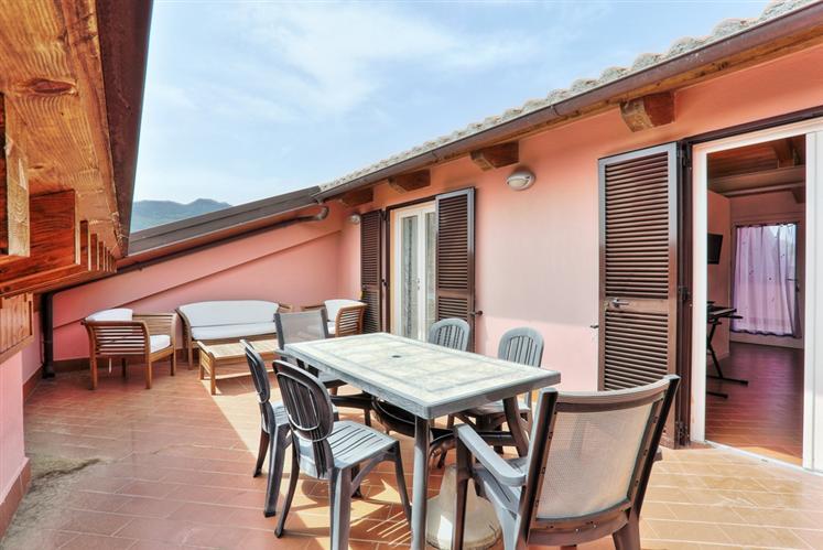Appartamento in vendita a Campo nell'Elba, 2 locali, zona Zona: Marina di Campo, prezzo € 220.000 | CambioCasa.it