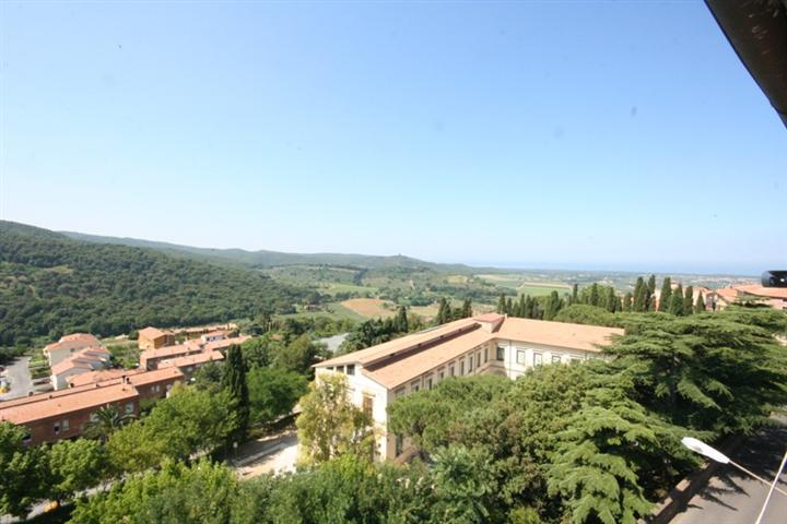 Appartamento in vendita a Castagneto Carducci, 3 locali, prezzo € 140.000 | CambioCasa.it