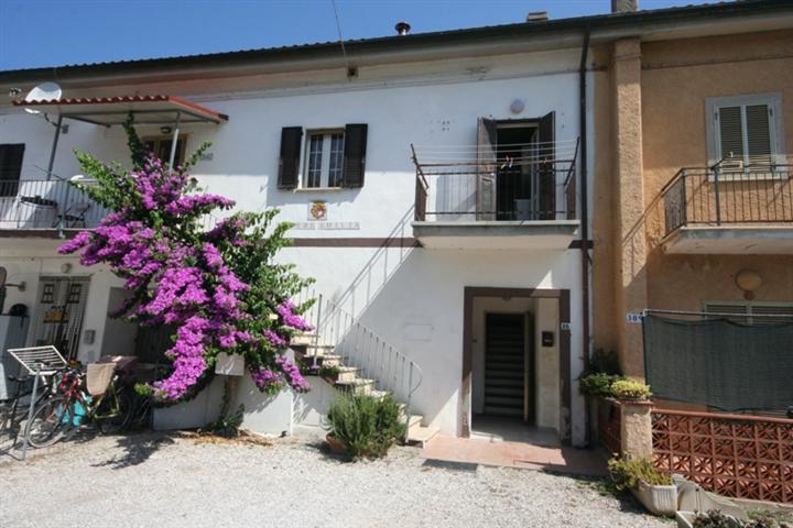 Soluzione Indipendente in vendita a Castagneto Carducci, 3 locali, zona Zona: Marina di Castagneto Donoratico, prezzo € 89.000   CambioCasa.it