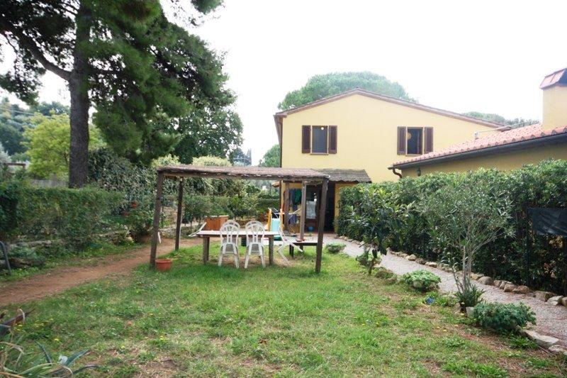 Soluzione Indipendente in vendita a Castagneto Carducci, 4 locali, prezzo € 295.000   CambioCasa.it