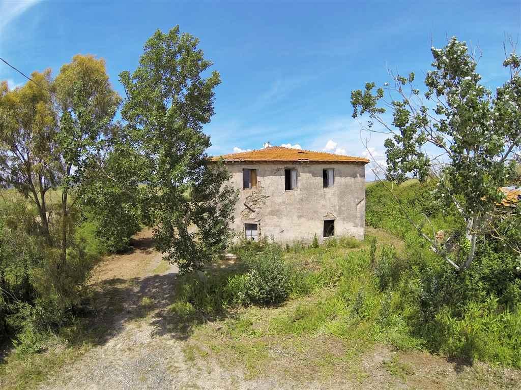 Rustico / Casale in vendita a Santa Luce, 14 locali, prezzo € 160.000 | CambioCasa.it
