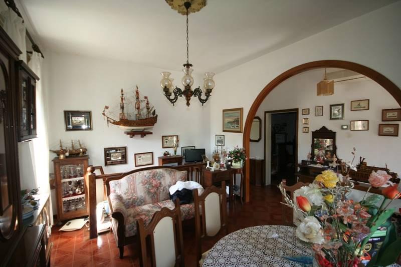 Soluzione Indipendente in vendita a Castagneto Carducci, 8 locali, zona Zona: Donoratico, prezzo € 279.000   CambioCasa.it