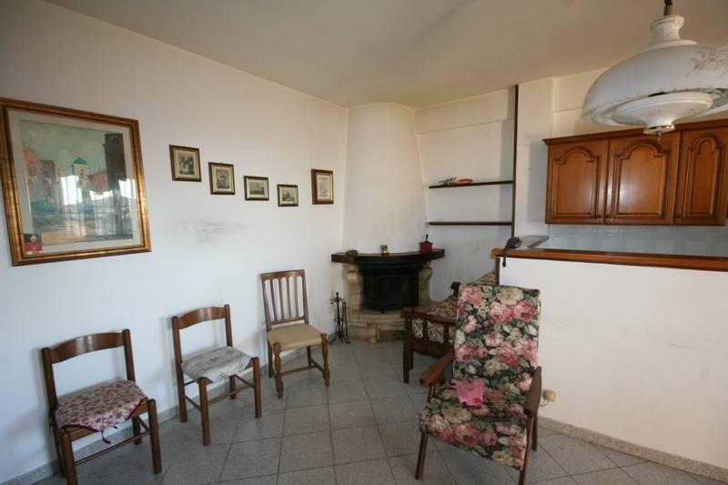 Soluzione Indipendente in vendita a Castagneto Carducci, 3 locali, zona Zona: Donoratico, prezzo € 129.000   CambioCasa.it