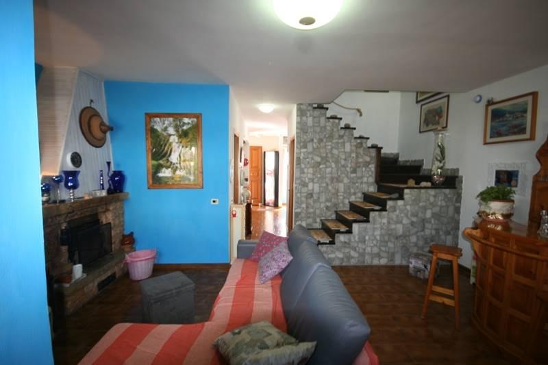 Soluzione Indipendente in vendita a Castagneto Carducci, 6 locali, zona Zona: Donoratico, prezzo € 295.000   CambioCasa.it