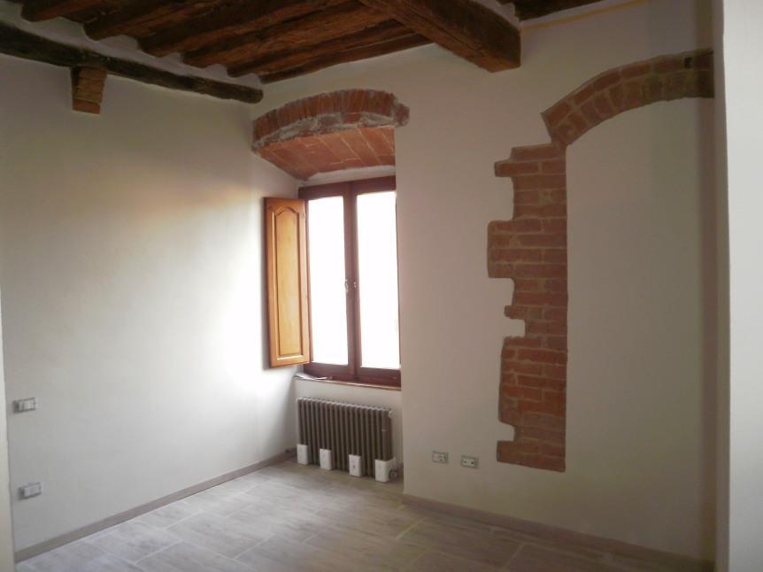 Appartamento in vendita a Colle di Val d'Elsa, 4 locali, prezzo € 125.000 | Cambio Casa.it
