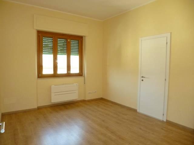 Ufficio / Studio in affitto a Poggibonsi, 1 locali, prezzo € 250 | Cambio Casa.it