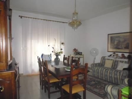 Soluzione Indipendente in vendita a Poggibonsi, 4 locali, prezzo € 199.000 | CambioCasa.it