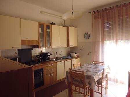 Appartamento in vendita a Poggibonsi, 2 locali, prezzo € 90.000 | CambioCasa.it