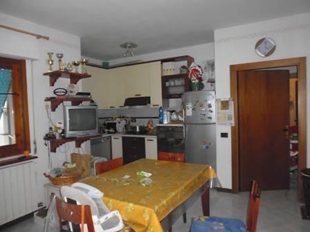 Appartamento in vendita a Colle di Val d'Elsa, 3 locali, prezzo € 140.000 | Cambio Casa.it