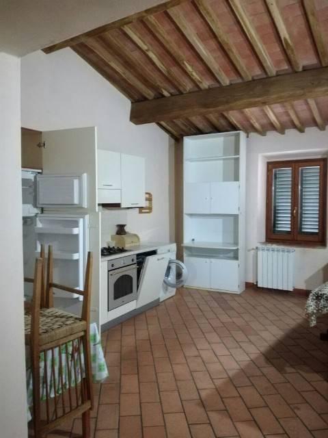 Appartamento in affitto a Tavarnelle Val di Pesa, 4 locali, zona Zona: San Donato in Poggio, prezzo € 550 | CambioCasa.it