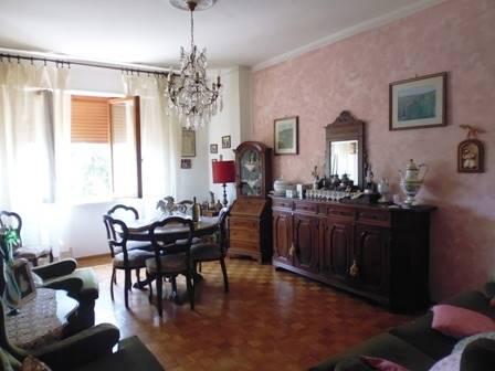 Appartamento in vendita a San Gimignano, 5 locali, prezzo € 190.000 | Cambio Casa.it