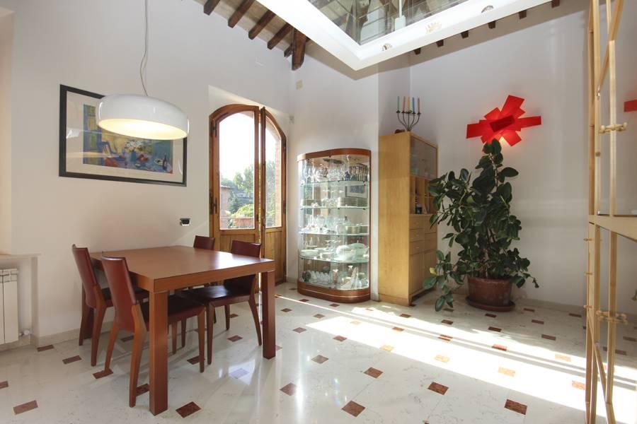 Villa-Villetta  in Affitto a Siena