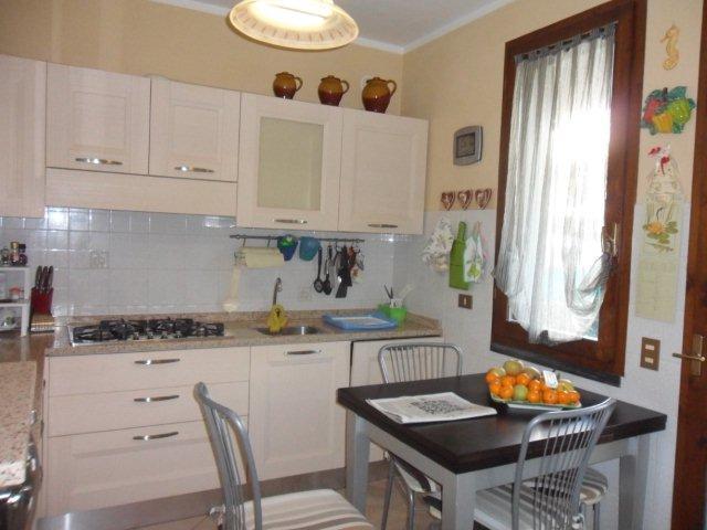 Villa a schiera, Capezzano Pianore, Camaiore, abitabile