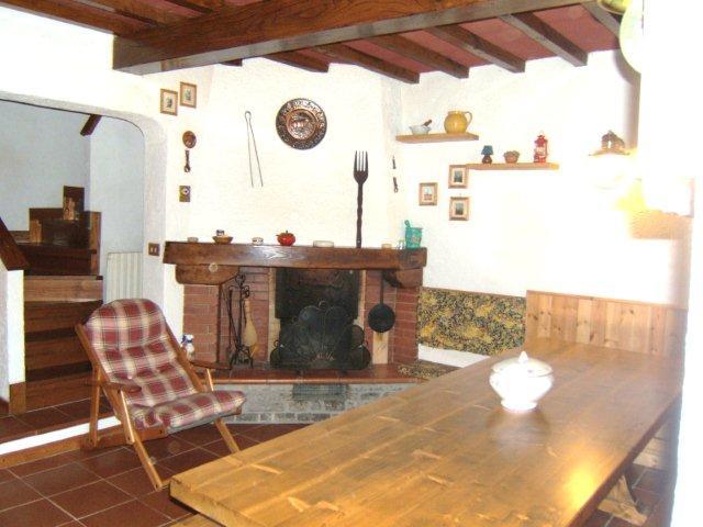 Villa Bifamiliare in vendita a Careggine, 4 locali, prezzo € 105.000 | Cambio Casa.it