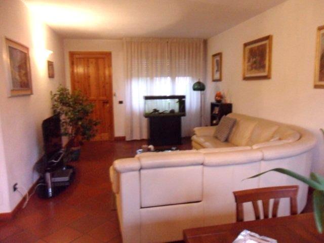 Villa a Schiera in Vendita a Camaiore