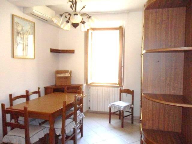 Soluzione Indipendente in vendita a Camaiore, 4 locali, prezzo € 150.000 | Cambio Casa.it