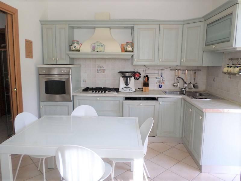 Villa Bifamiliare in vendita a Camaiore, 6 locali, zona Località: NOCCHI, prezzo € 300.000 | Cambio Casa.it