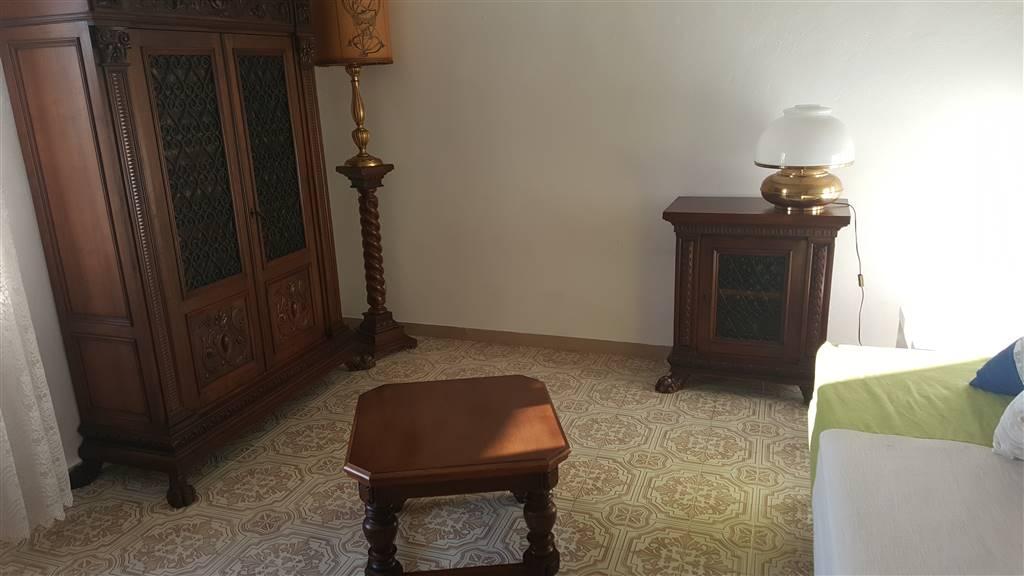 STAZIONE BUONE CONDIZIONI ingresso sala soggiorno pranzo con cucinotto 2 camere da letto ( poss. 3° camera) bagno con finestra balcone verandato