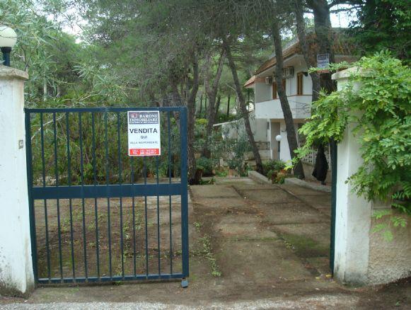 Villa in vendita a Castellaneta, 5 locali, zona Località: CASTELLANETA MARINA, prezzo € 145.000 | CambioCasa.it