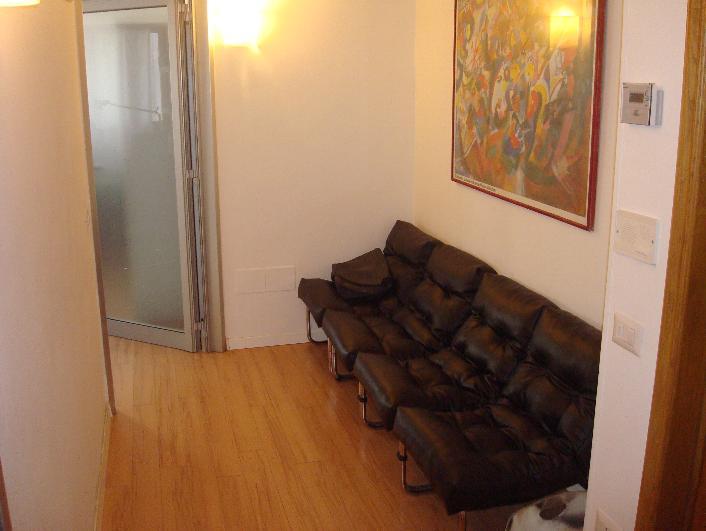 Ufficio / Studio in vendita a Altamura, 2 locali, prezzo € 68.000 | Cambiocasa.it