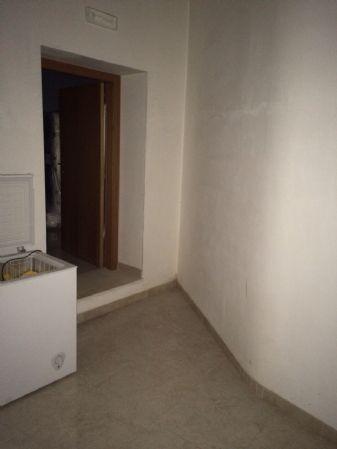 Immobile Commerciale in vendita a Altamura, 2 locali, prezzo € 130.000 | CambioCasa.it