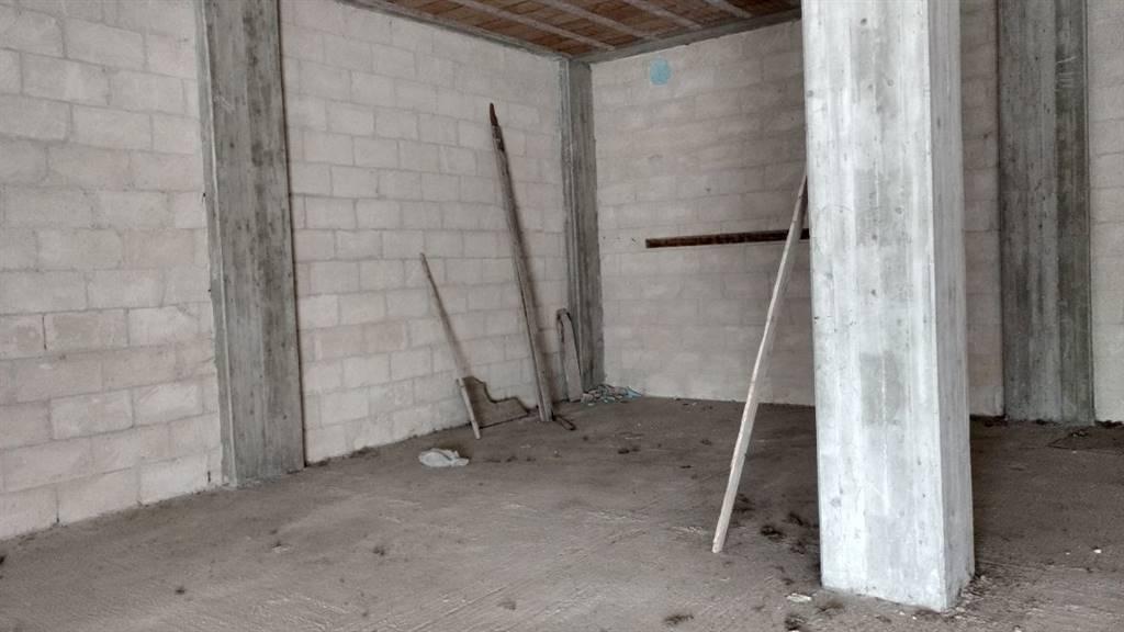Immobile Commerciale in affitto a Altamura, 2 locali, prezzo € 1.200 | CambioCasa.it