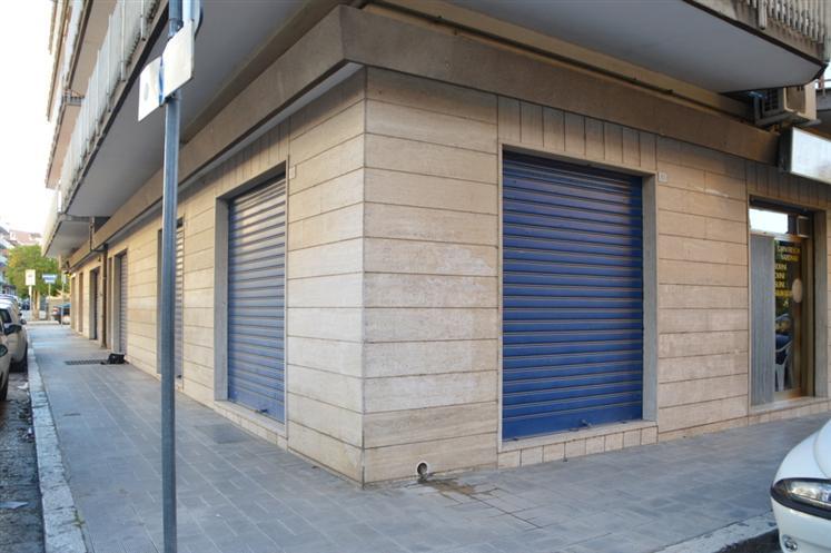 Immobile Commerciale in Vendita a Lavello