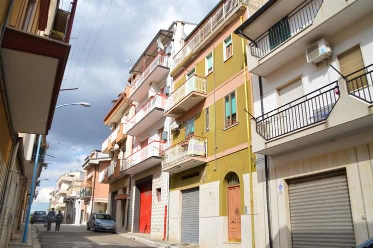 Appartamento in vendita a Lavello, 3 locali, prezzo € 62.000 | CambioCasa.it