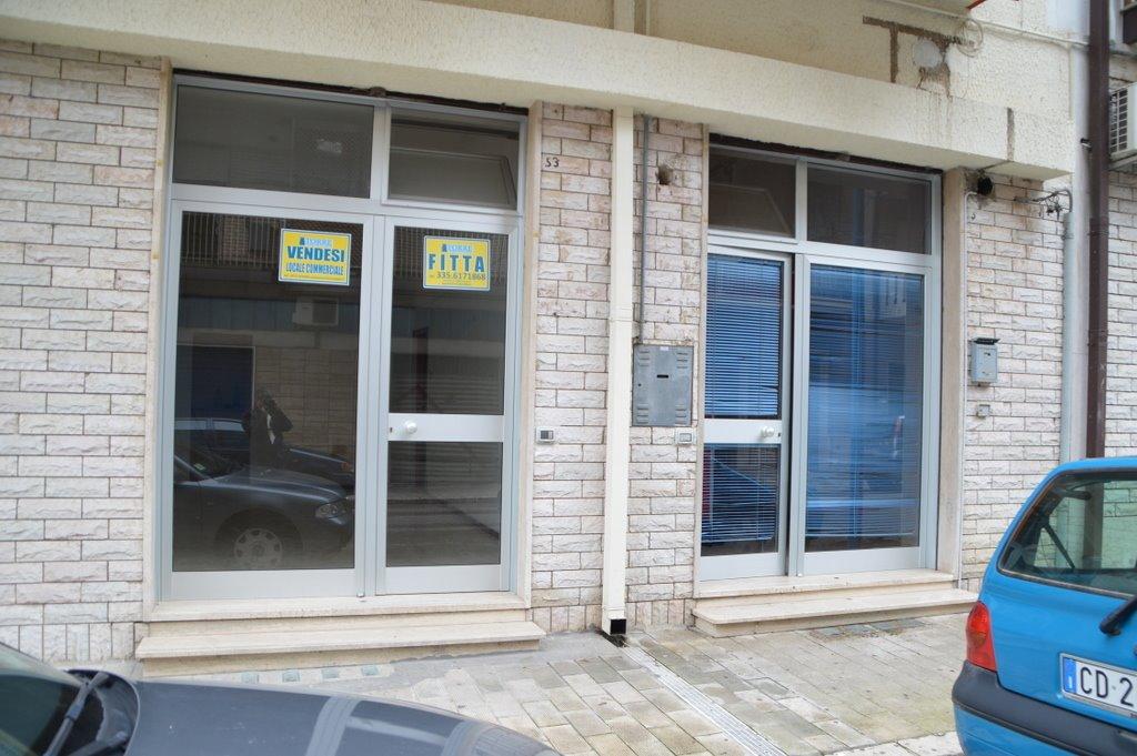 Immobile Commerciale in vendita a Lavello, 9999 locali, Trattative riservate | CambioCasa.it