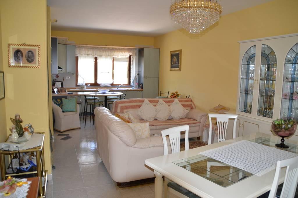 Villa a Schiera in vendita a Lavello, 7 locali, Trattative riservate   Cambio Casa.it