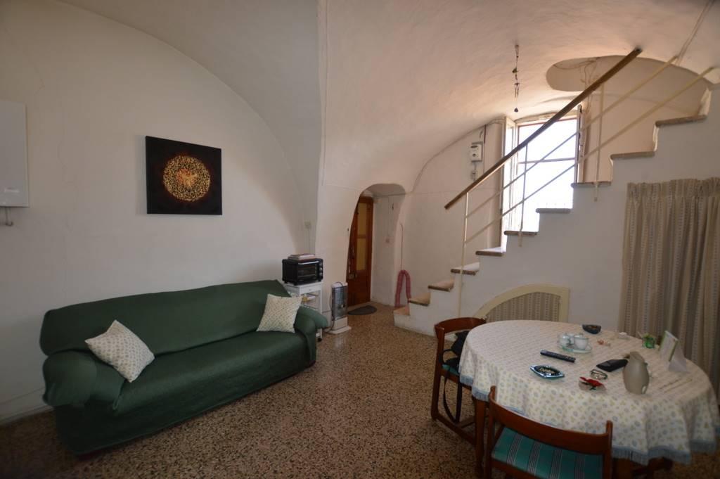 Soluzione Indipendente in vendita a Lavello, 2 locali, prezzo € 25.000 | CambioCasa.it