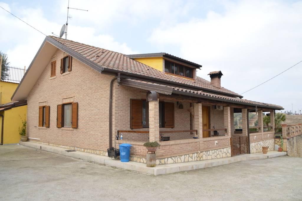 Villa in Vendita a Lavello