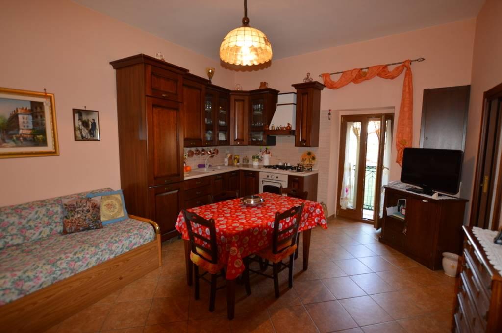 Soluzione Indipendente in vendita a Lavello, 4 locali, prezzo € 52.000   Cambio Casa.it