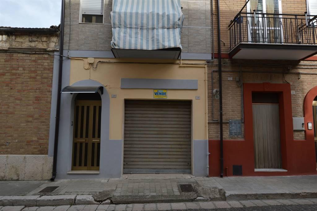 Box / Garage in vendita a Lavello, 1 locali, prezzo € 22.000   CambioCasa.it